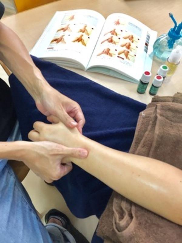 作業療法士VSスポーツアロマのハンド