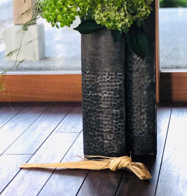 生け花と魔除け「ゲーン」から伝わる心