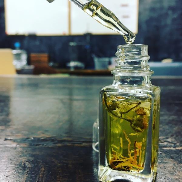 源氏香の「組香」でハーバリウムのネイルオイル作り